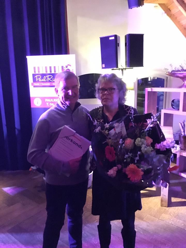Cor-van-Eck-40-jaar-in-dienst-samen-met-zijn-vrouw