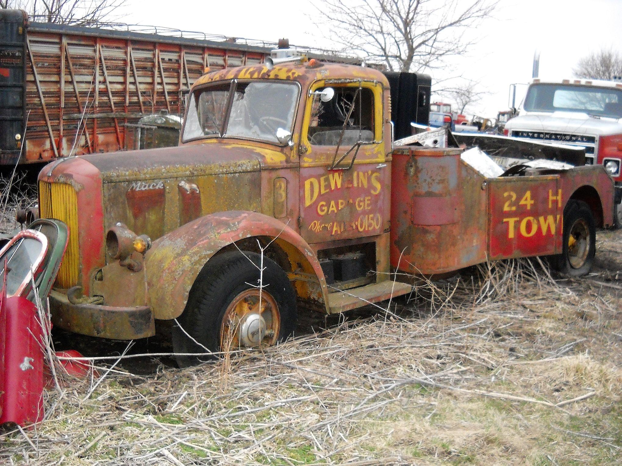 Mack-1947-LF