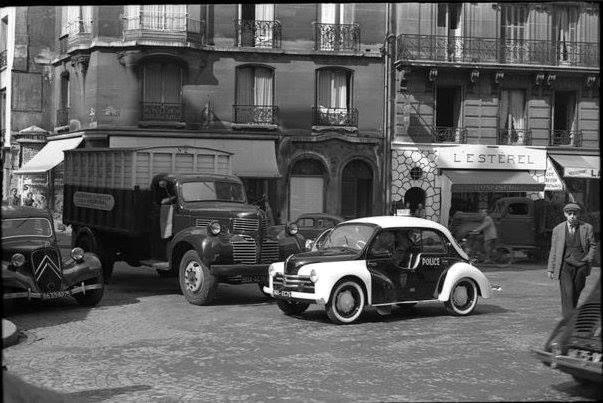 Renault--Parijs-politie-1955