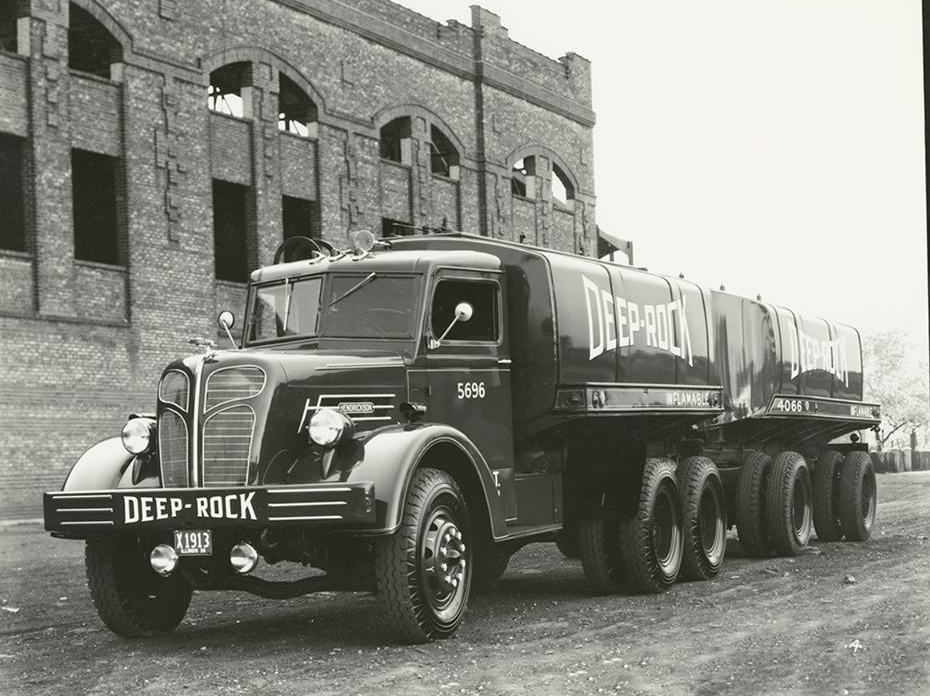 6-BIS-1936-Vintage-Hendrickson-Truck-made-for-Deep-Rock-Oil-[1]