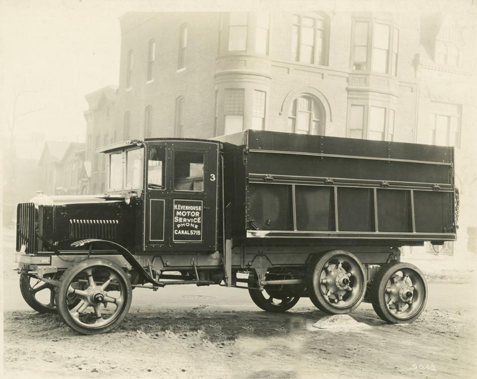 8-Vintage-1927-Hendrickson-Truck-with-tandem-walking-beams[1]