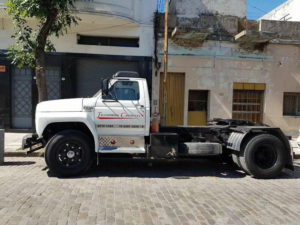Ford-700
