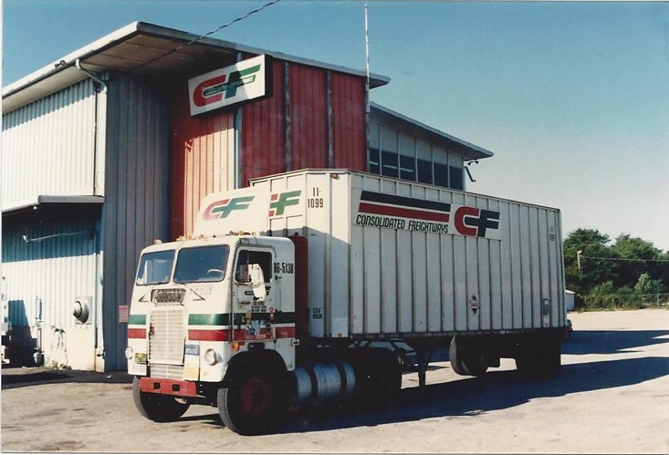 Freightliner-smal-trailer