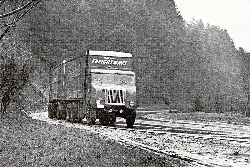 WHITE-FREIGHTLINER---CIRCA-1940