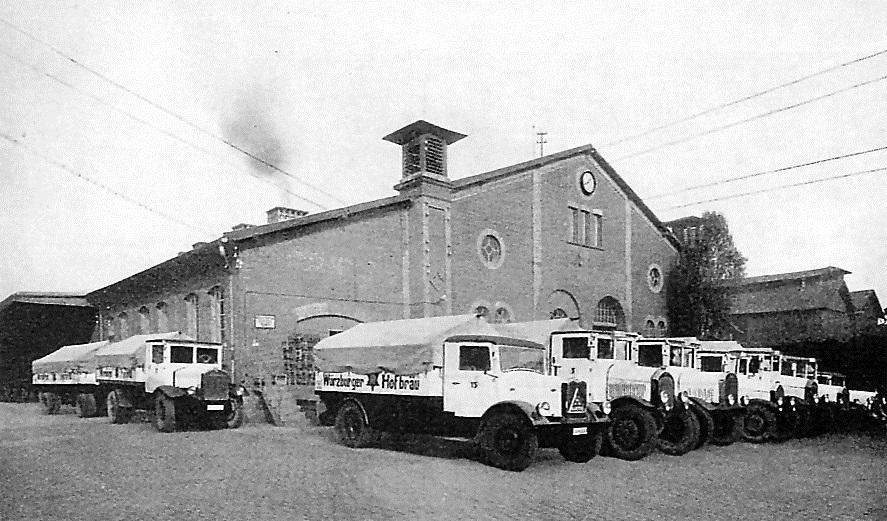 Fuhrpark-Wuerzburger-Hofbrau-ca-1932-Krupp-Hnsa-Lloyd-2-Daag[1]
