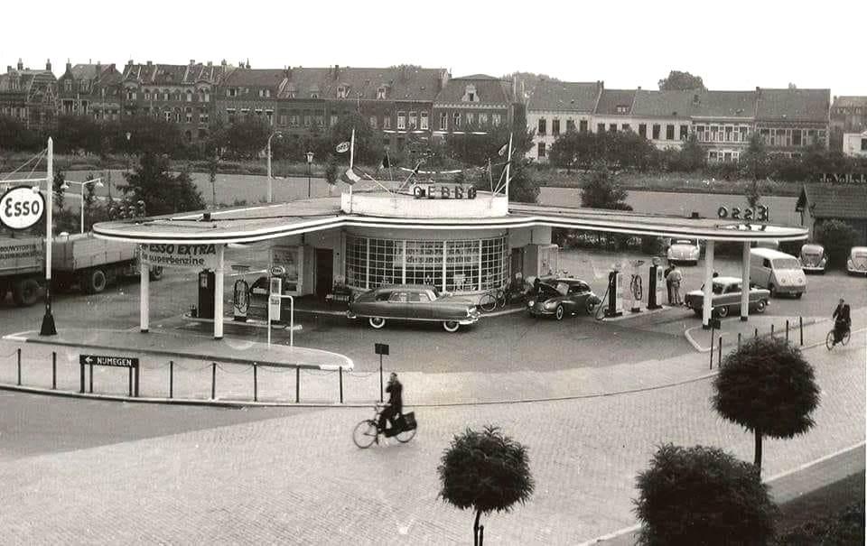 Tankstation-1954-Venlo-Gebro-Esso