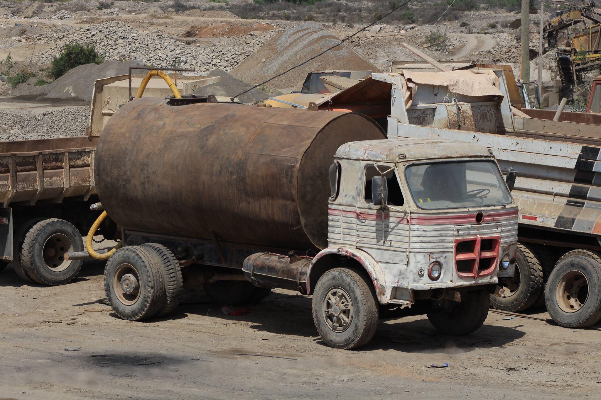 Camiones-vieja-escuela-olvidados-3