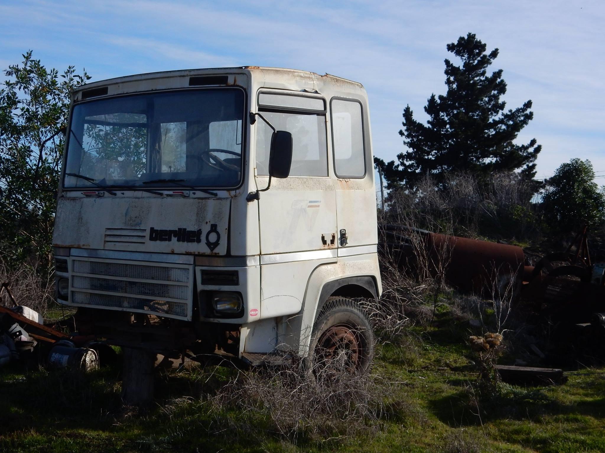 Camiones-vieja-escuela-olvidados-63