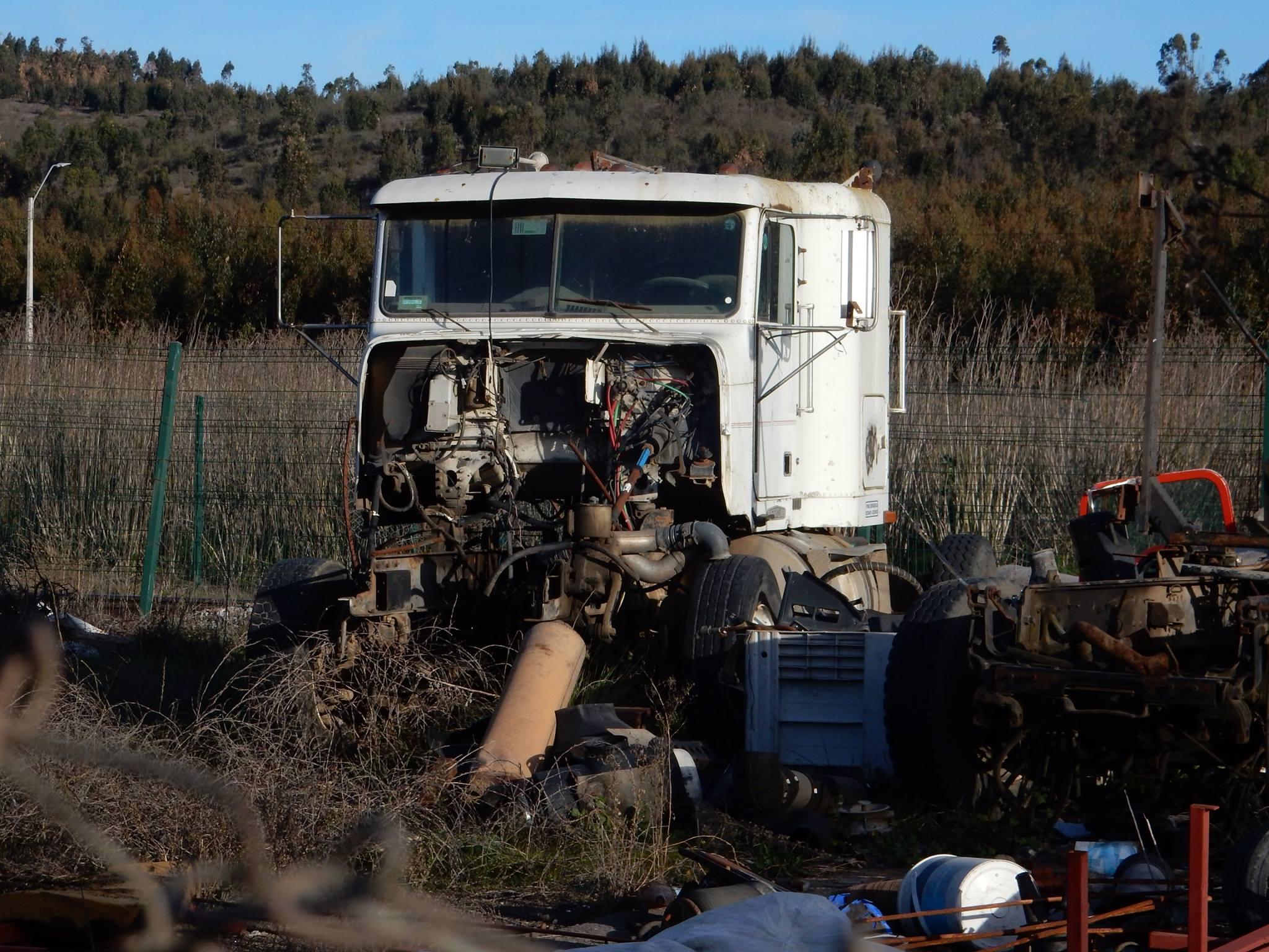 Camiones-vieja-escuela-olvidados-64