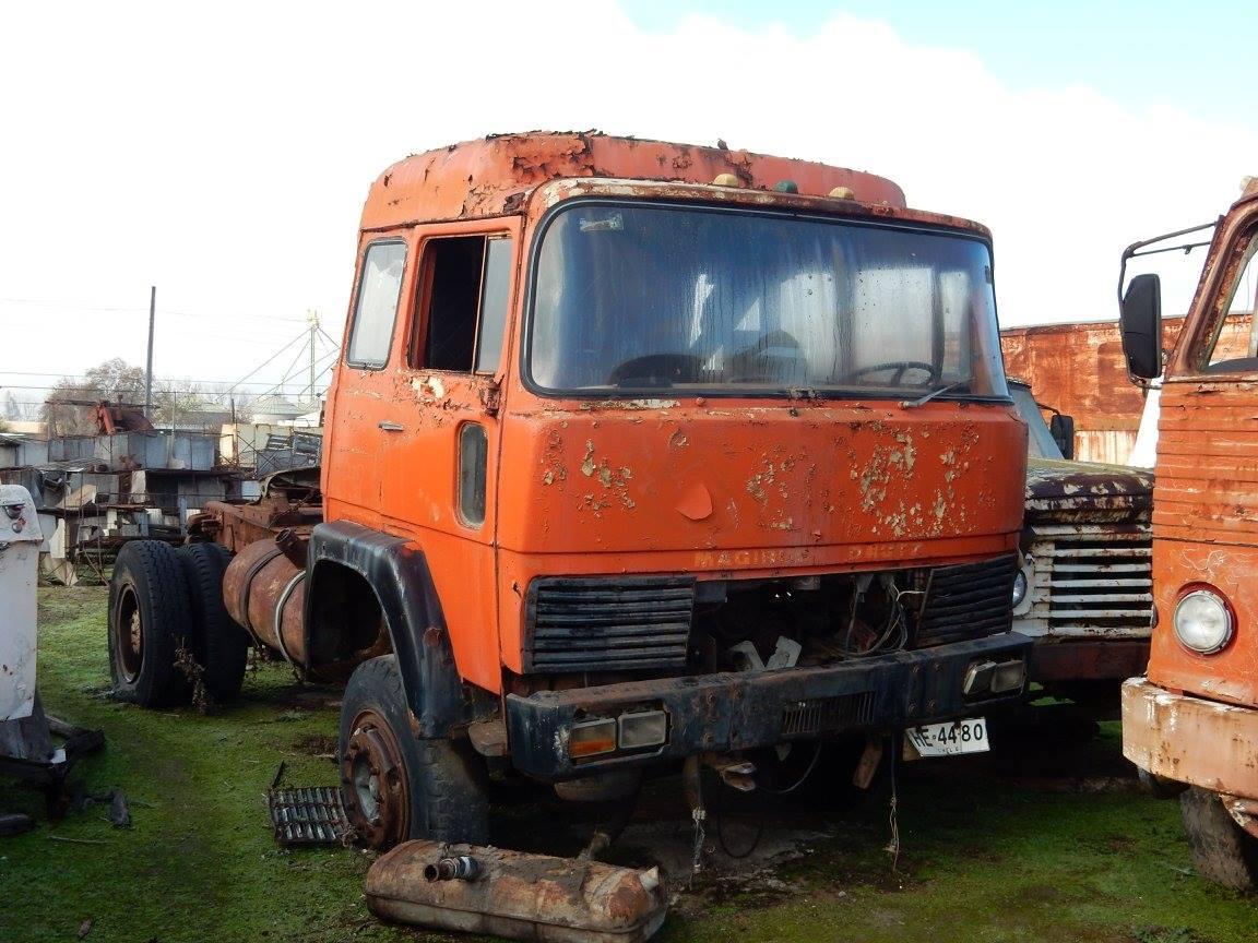 Camiones-vieja-escuela-olvidados-76