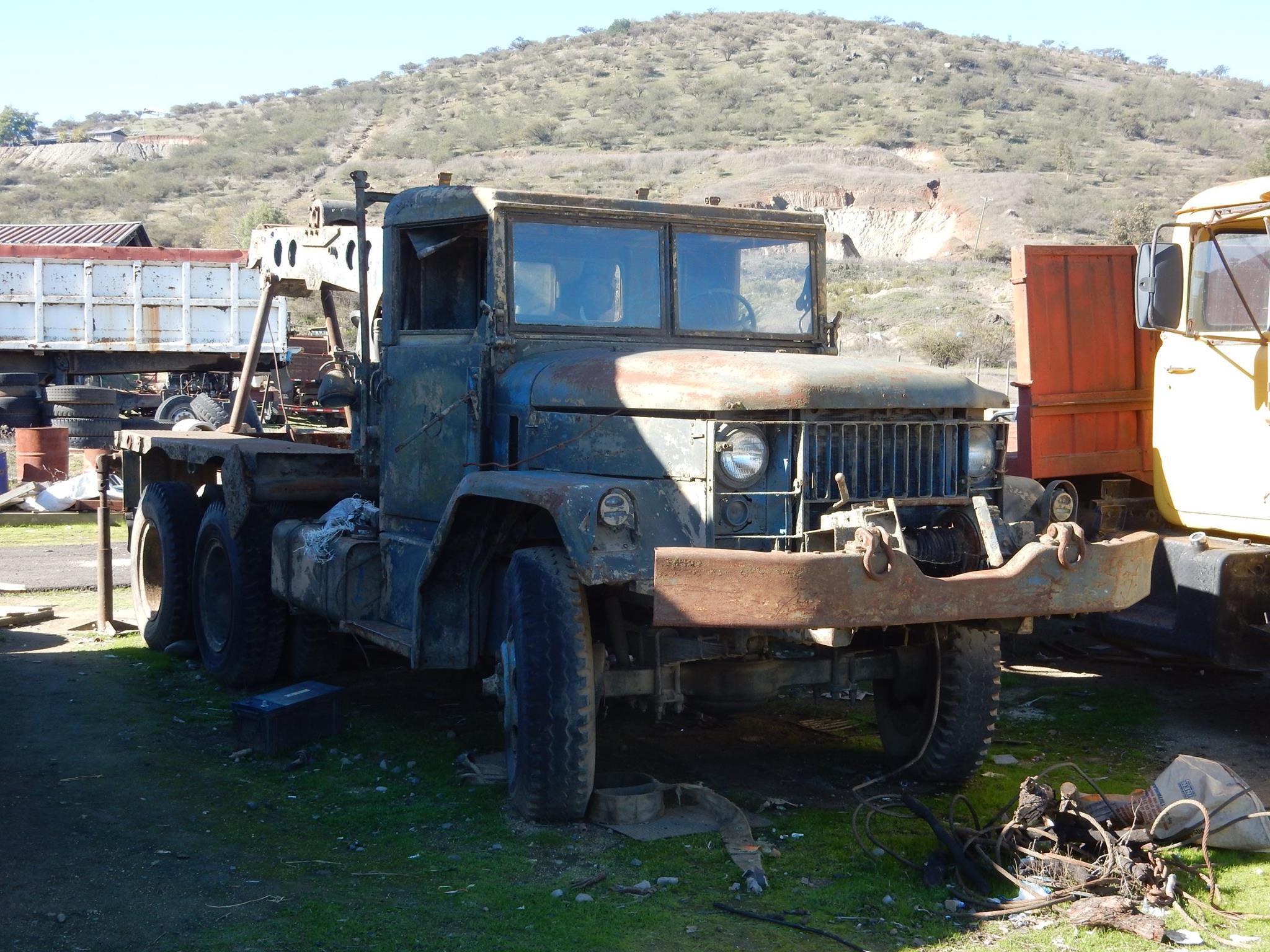 Camiones-vieja-escuela-olvidados-78