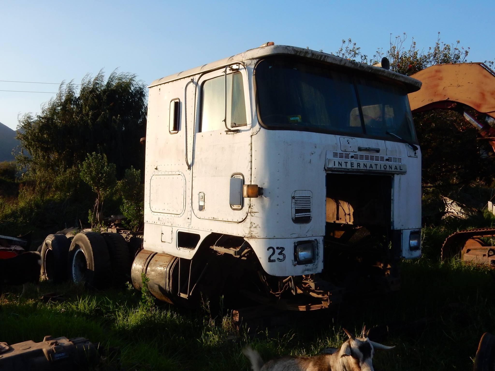 Camiones-vieja-escuela-olvidados-93