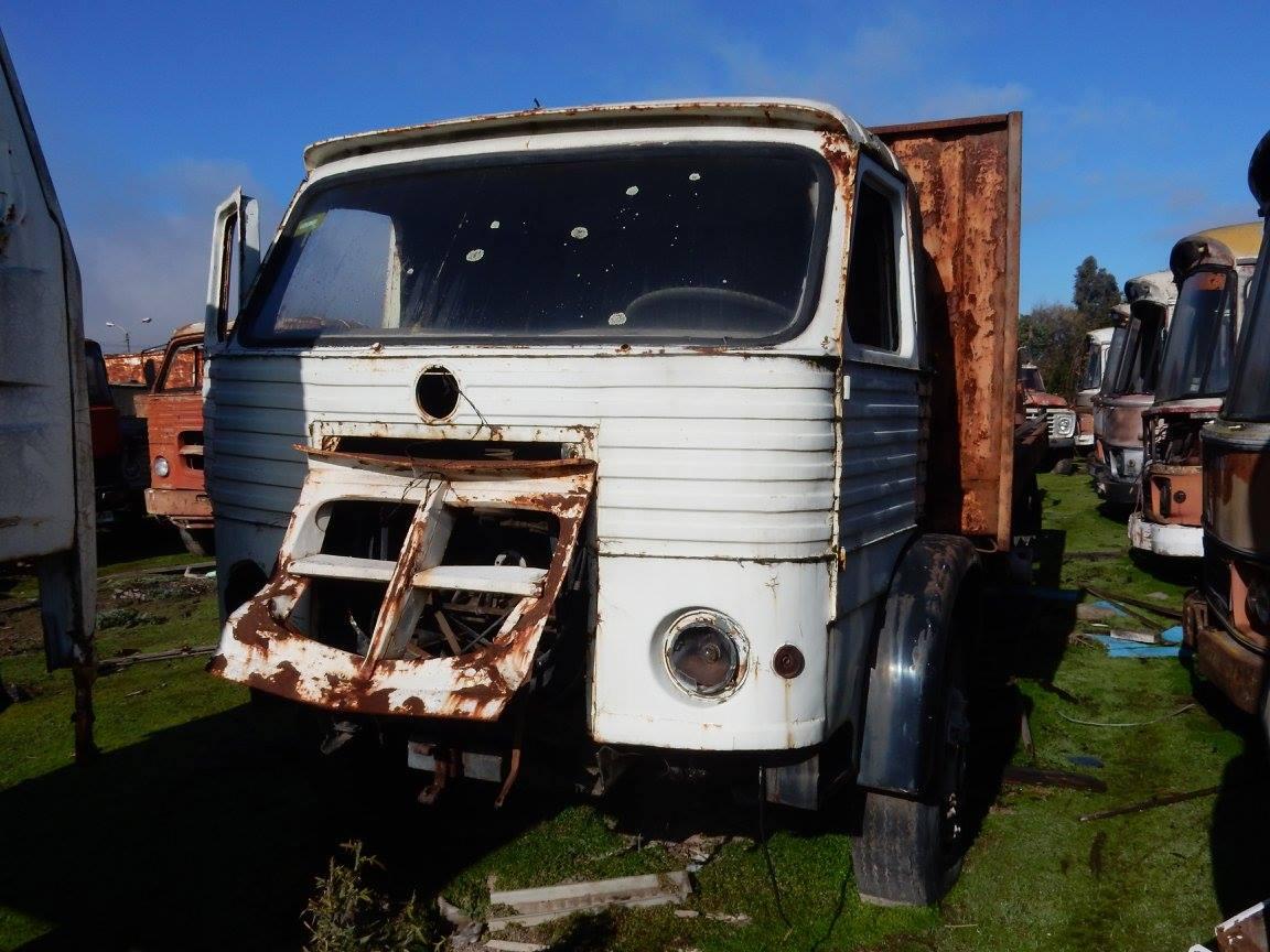 Camiones-vieja-escuela-olvidados-104