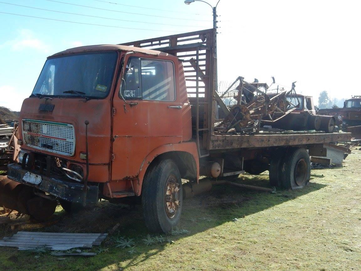 Camiones-vieja-escuela-olvidados-111