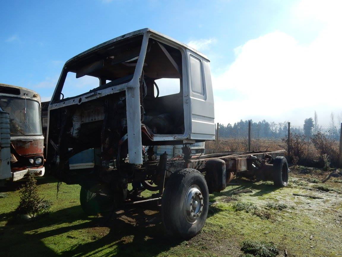 Camiones-vieja-escuela-olvidados-112