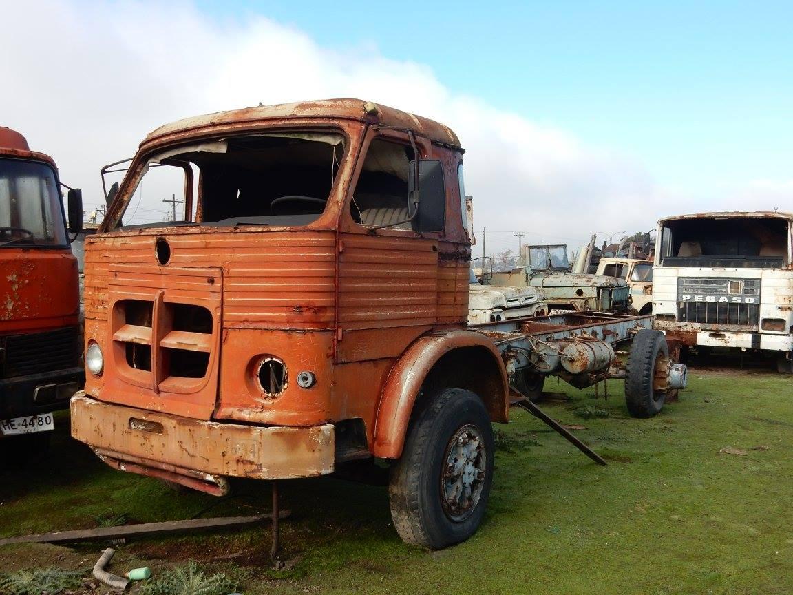 Camiones-vieja-escuela-olvidados-125