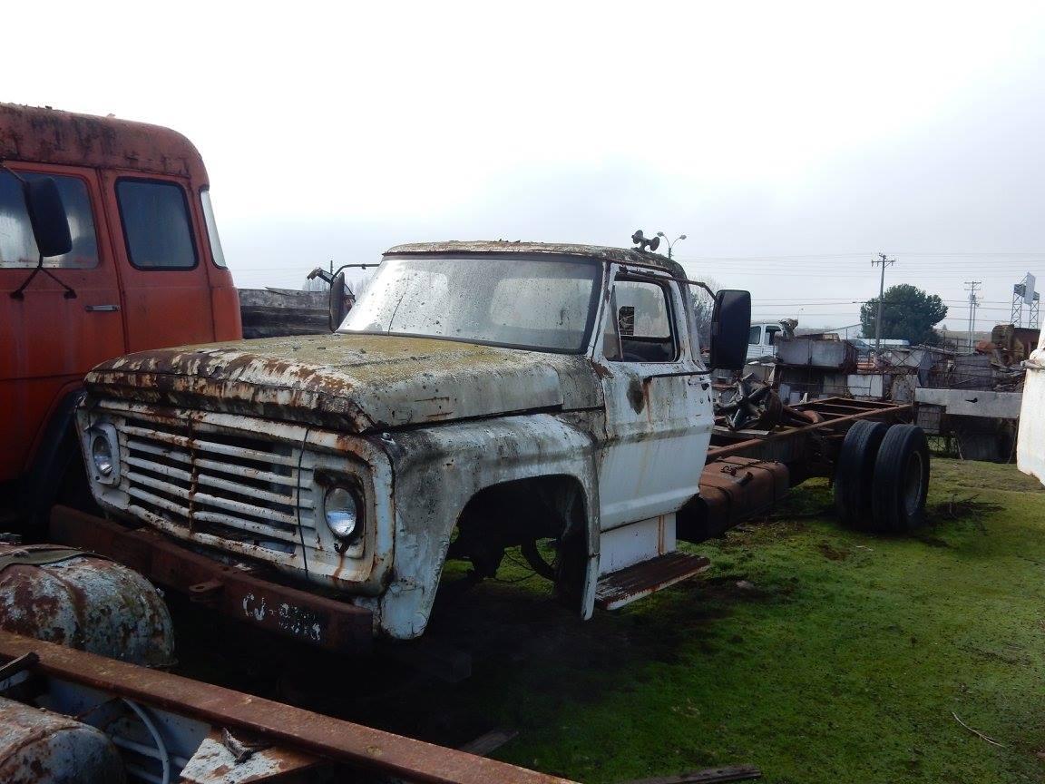 Camiones-vieja-escuela-olvidados-126