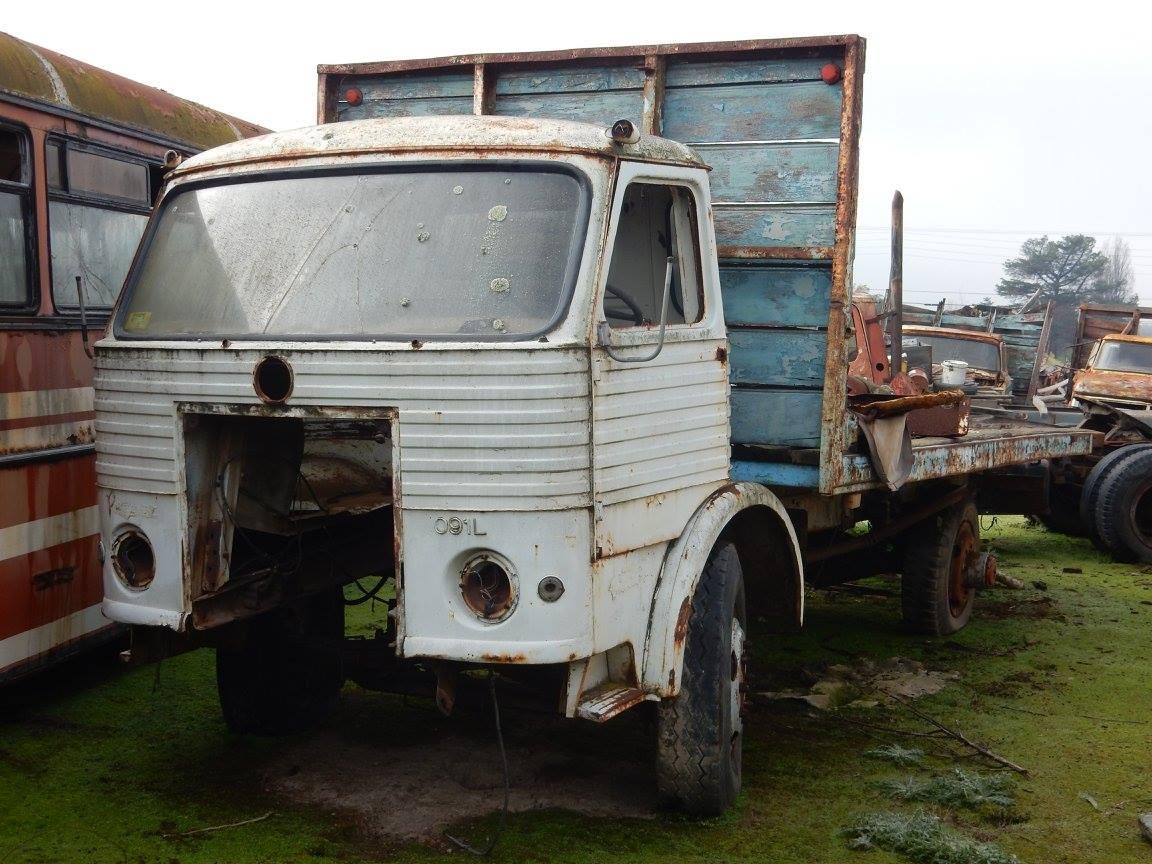 Camiones-vieja-escuela-olvidados-131