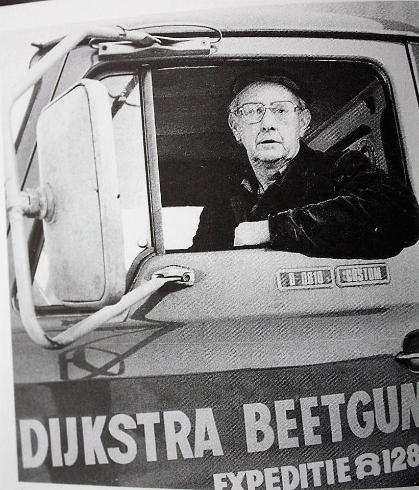 Dijkstra-Klaas-met-Ford-zijn-laatste-rit