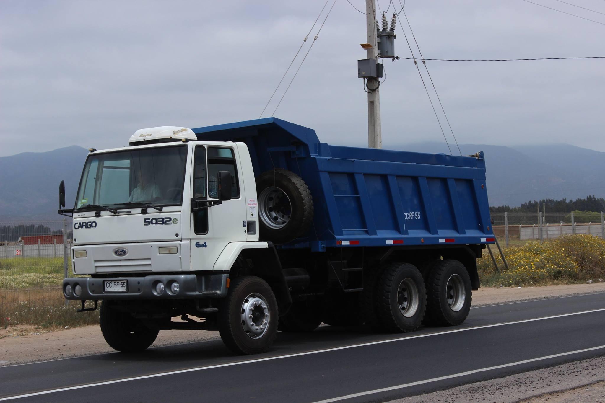 Ford-Cargo-5032E--2010