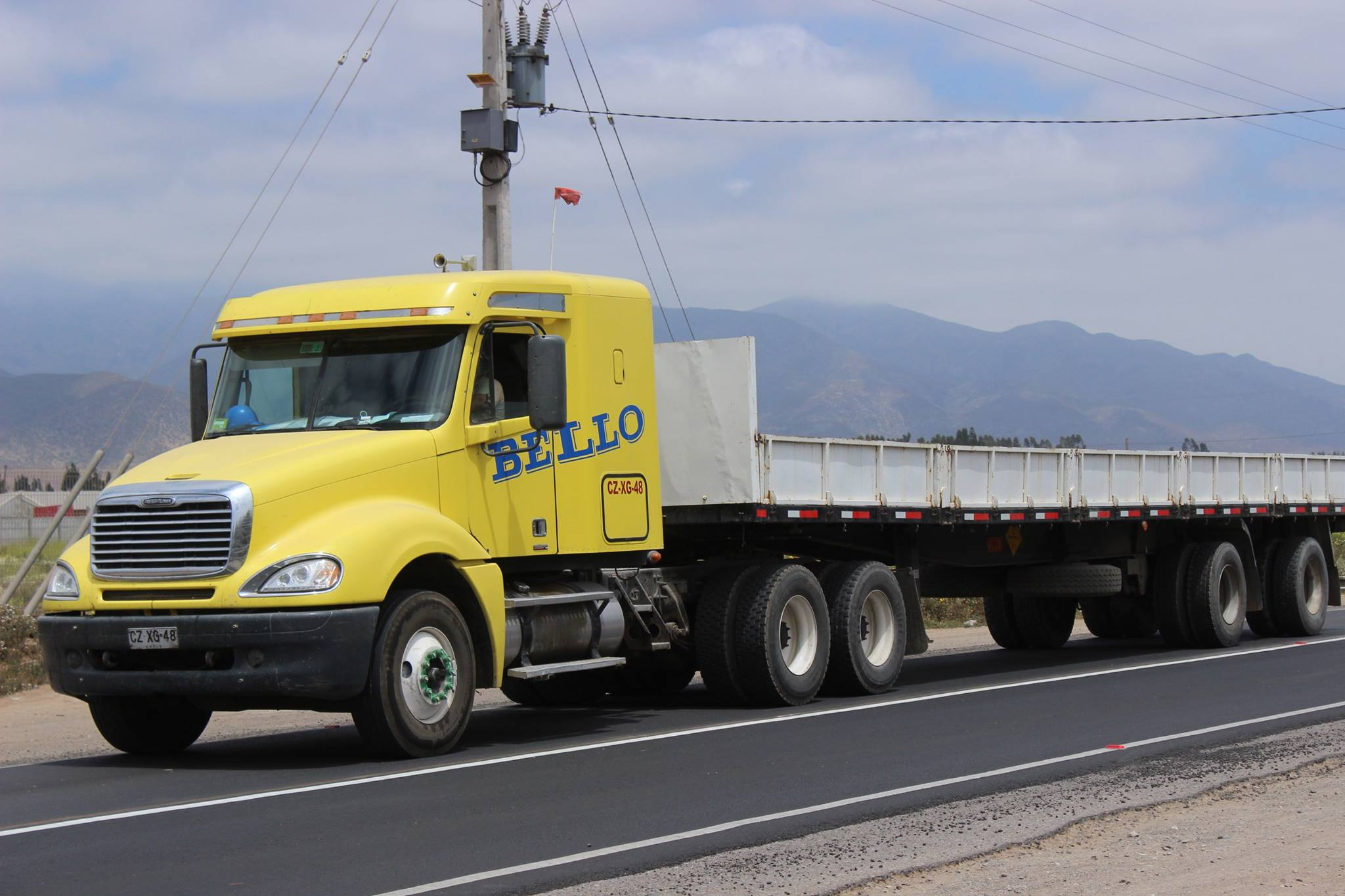 Freightliner--CL120-Mid-Roof--2011--Transportes-Bello