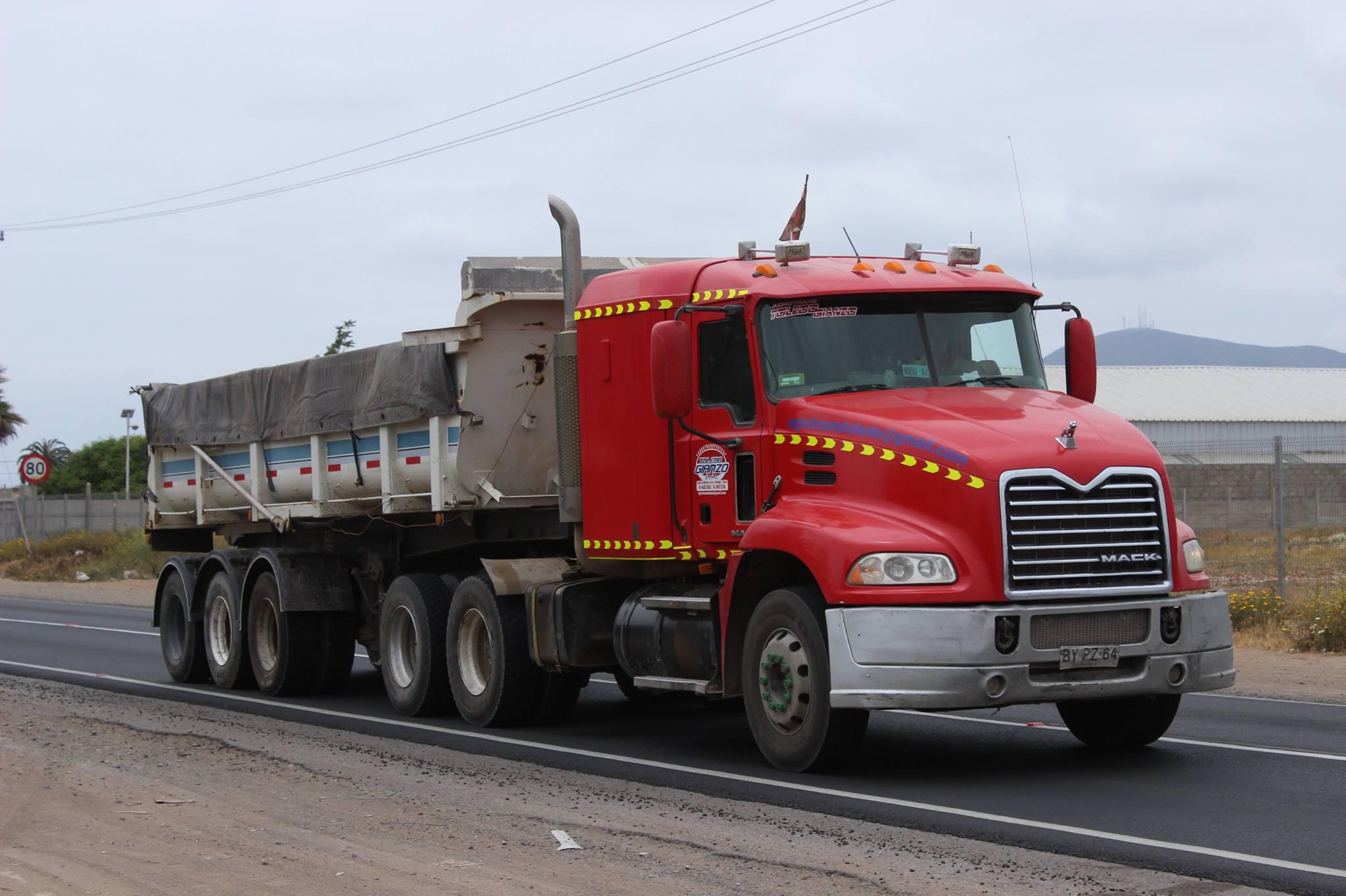 Mack-Pinnacle-CXU613--2009