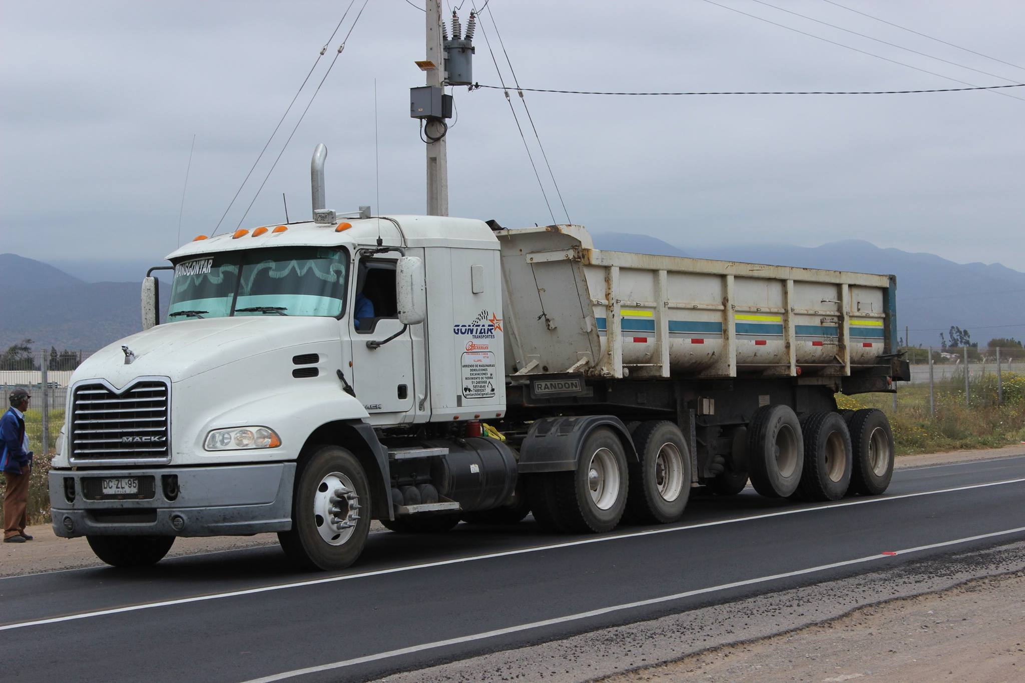 Mack-Pinnacle-CXU613--2011--Transportes-Gontar