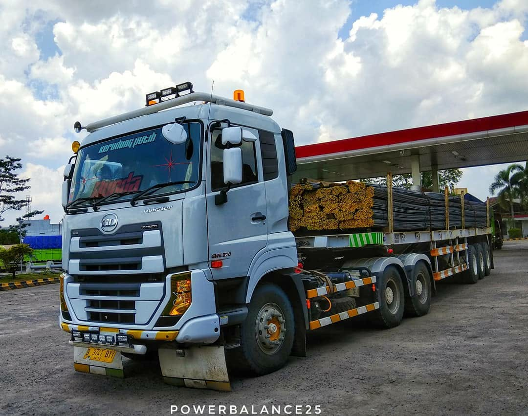 Nissan-Diesel-Trucks-41