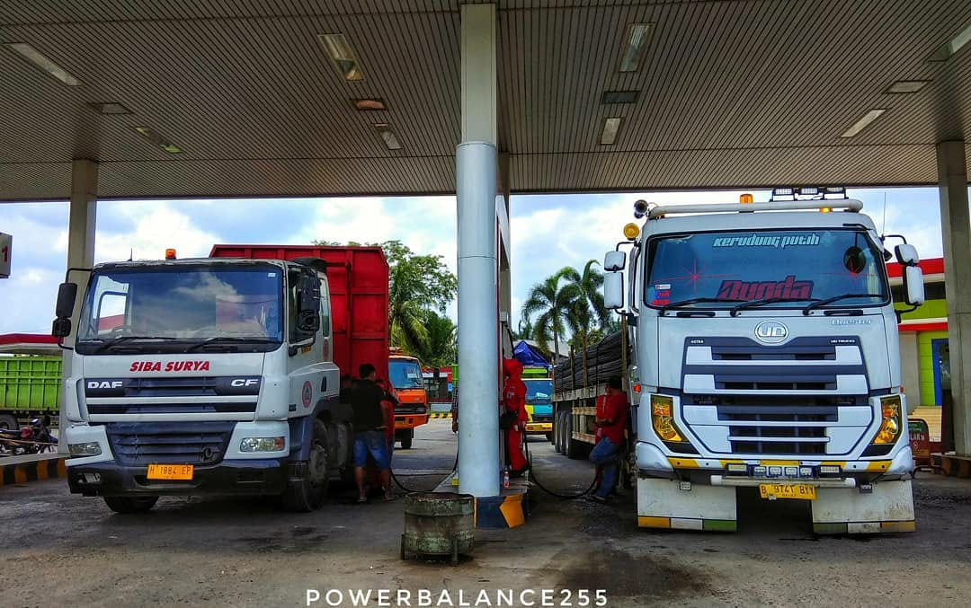 Nissan-Diesel-Trucks-43