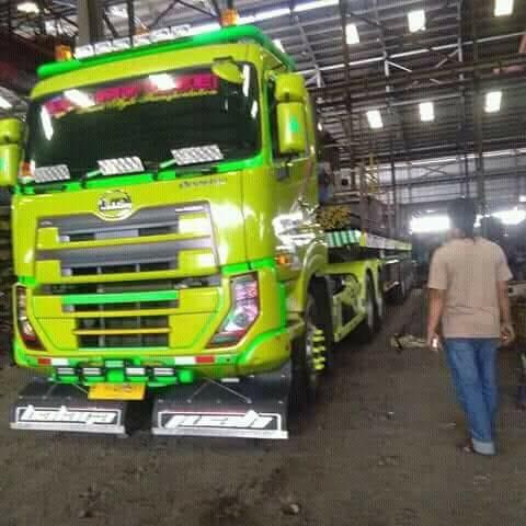 Nissan-Diesel-Trucks-50