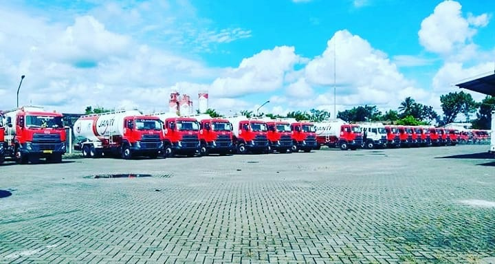 Nissan-Diesel-Trucks-60
