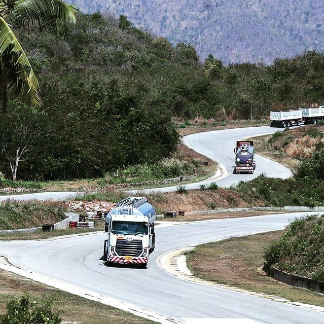Nissan-Diesel-Trucks-17