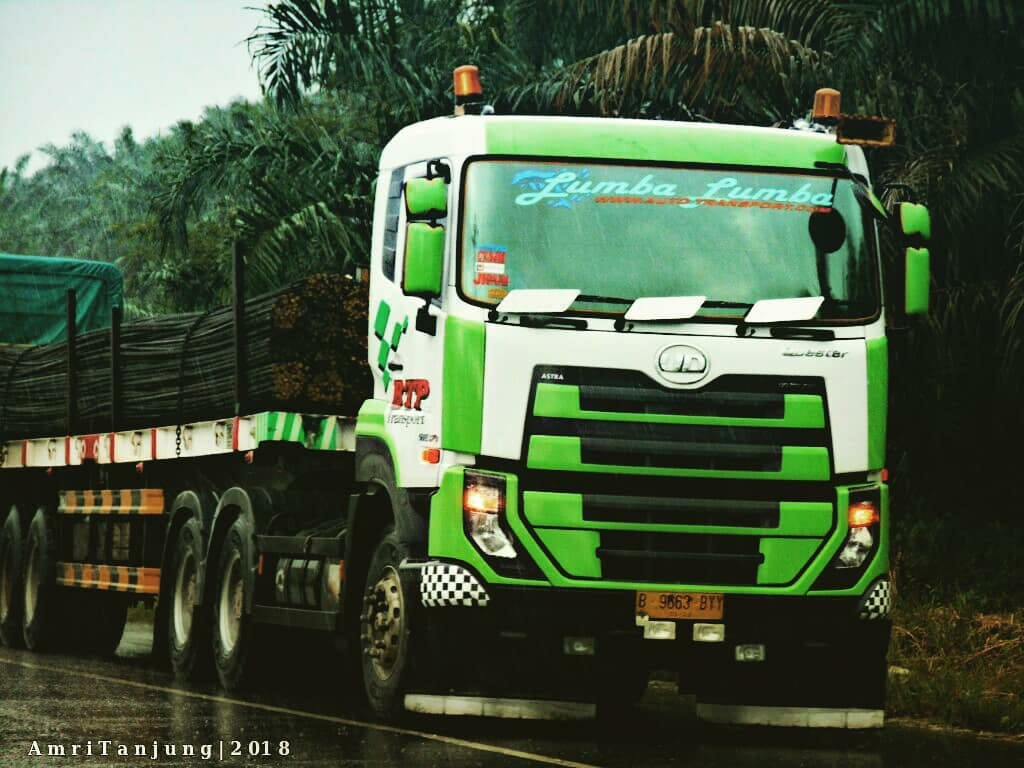 Nissan-Diesel-Trucks-26