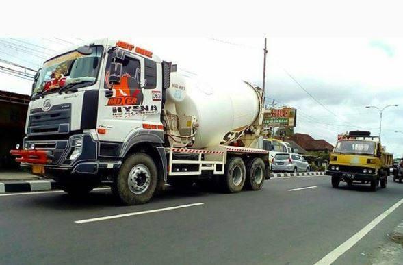 Nissan-Diesel-Trucks-33