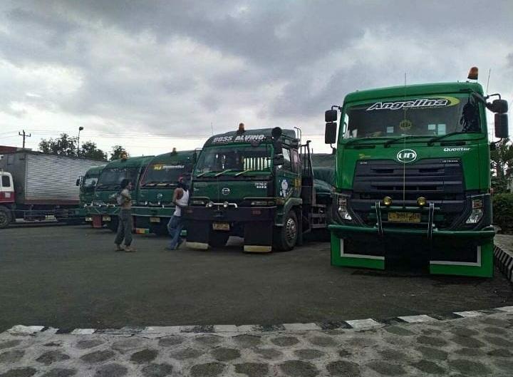 Nissan-Diesel-Trucks-6