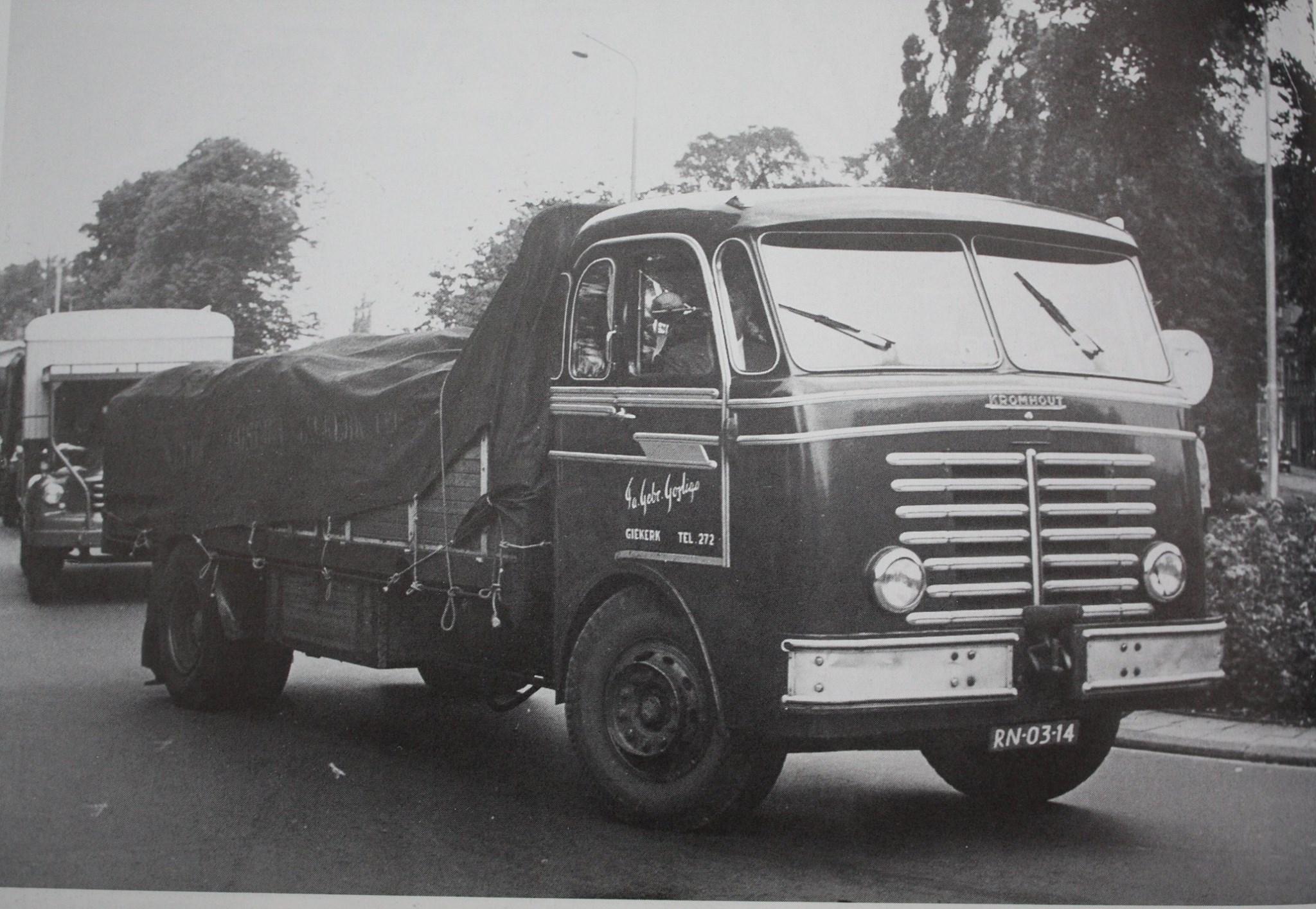 05-Goslinga-een-van-hun-eerste-wagens