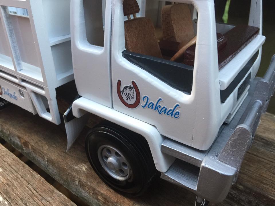 Hors-Truck-1