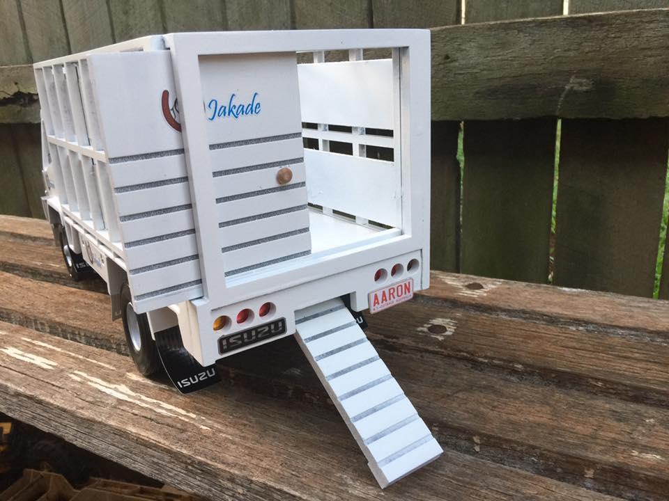 Hors-Truck-3