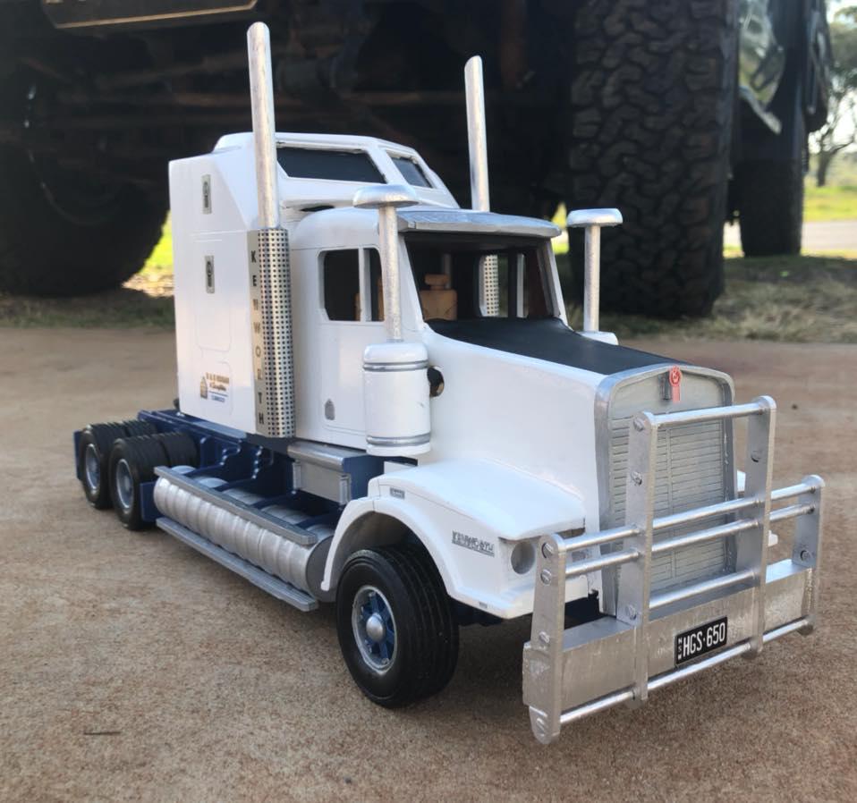 KW-Live-stock-truck-1