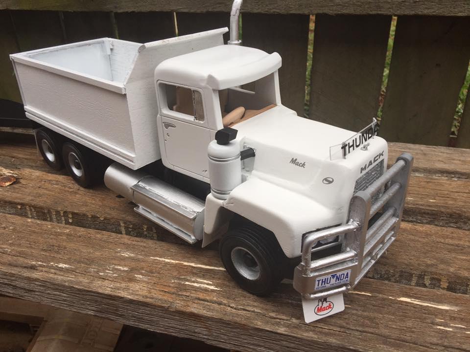 Mack-Dumper-6