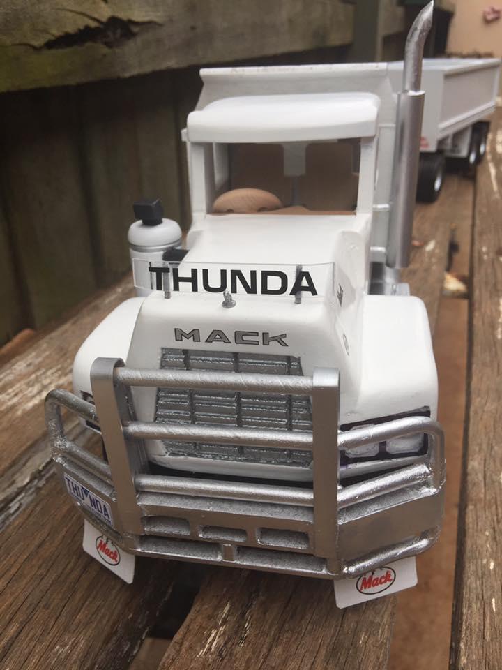 Mack-Dumper-Trailer