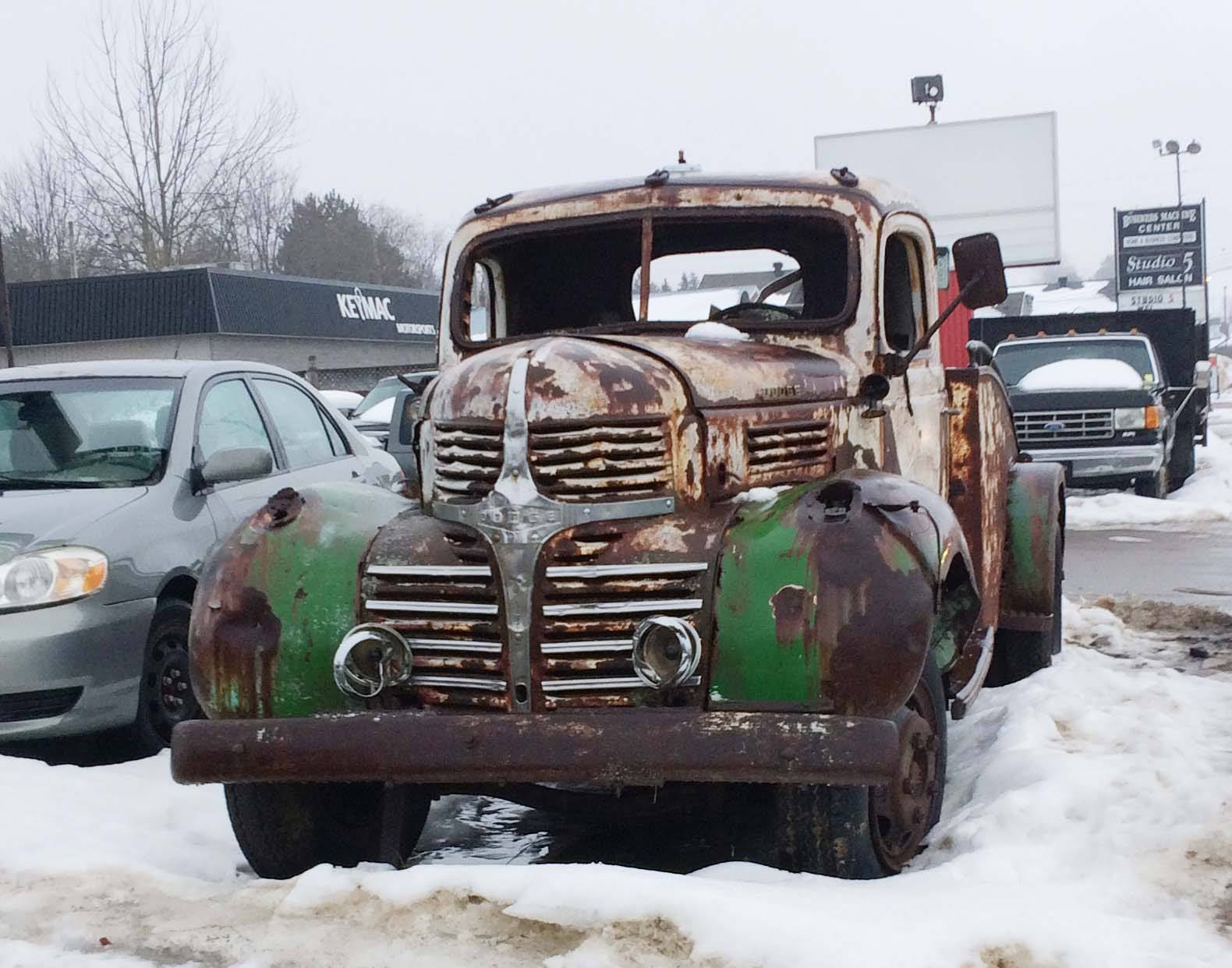 Dennis-Corrigan-Old-Dodge-tow-truck--To-tow-or-to-be-towed-1[1]