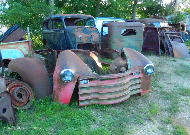 Chevy-53-and-Ford-sedan-34