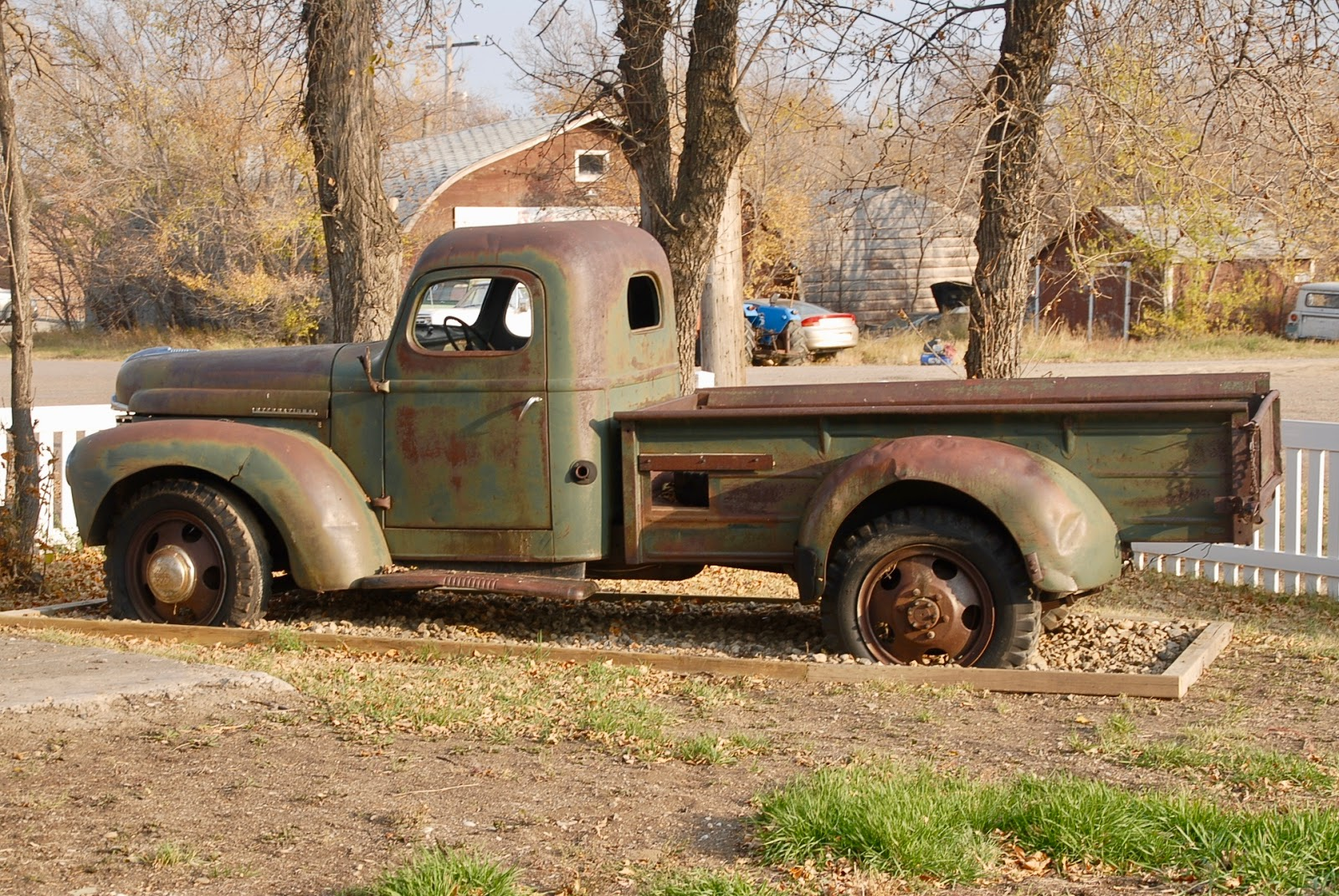 International-Harvester-1945-2[1]