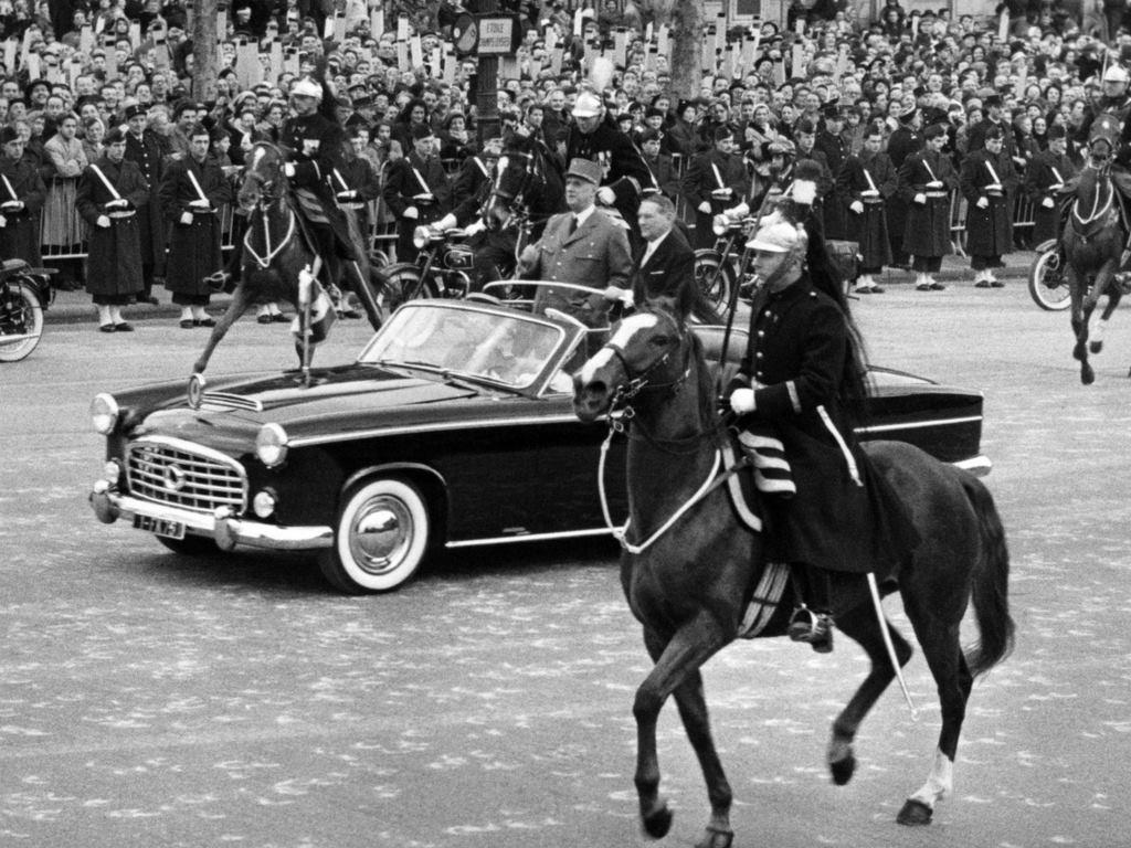 Citroen-Traction-Avant-15-Six-H-Presidentielle-par-Chapron--1957