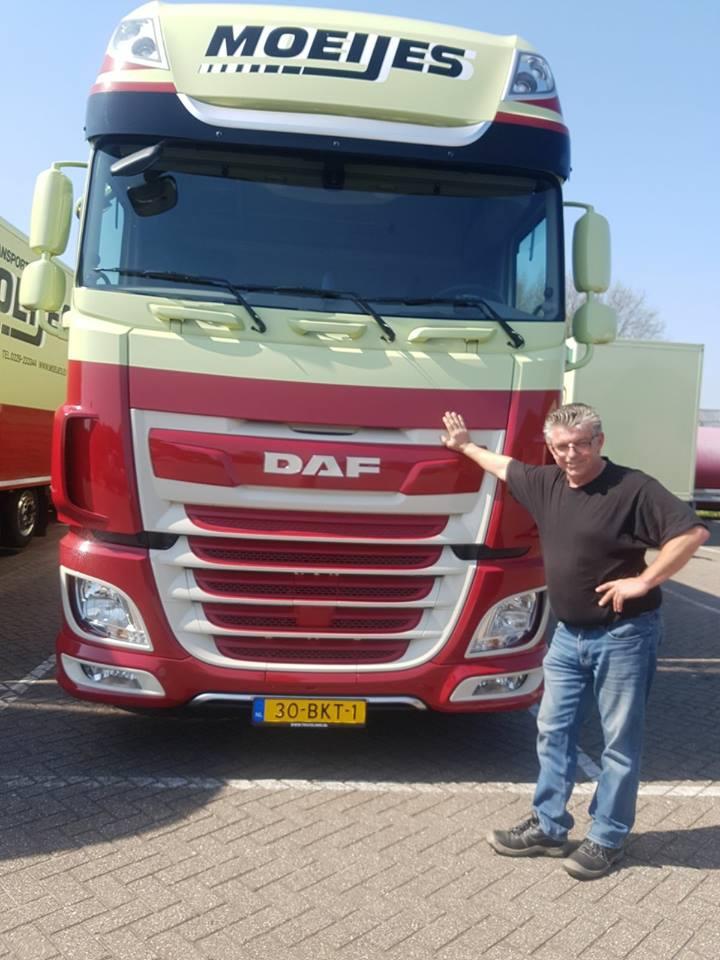 Jan-Westerbeek-met-zijn-nieuwe-daf-2-4-2018-3