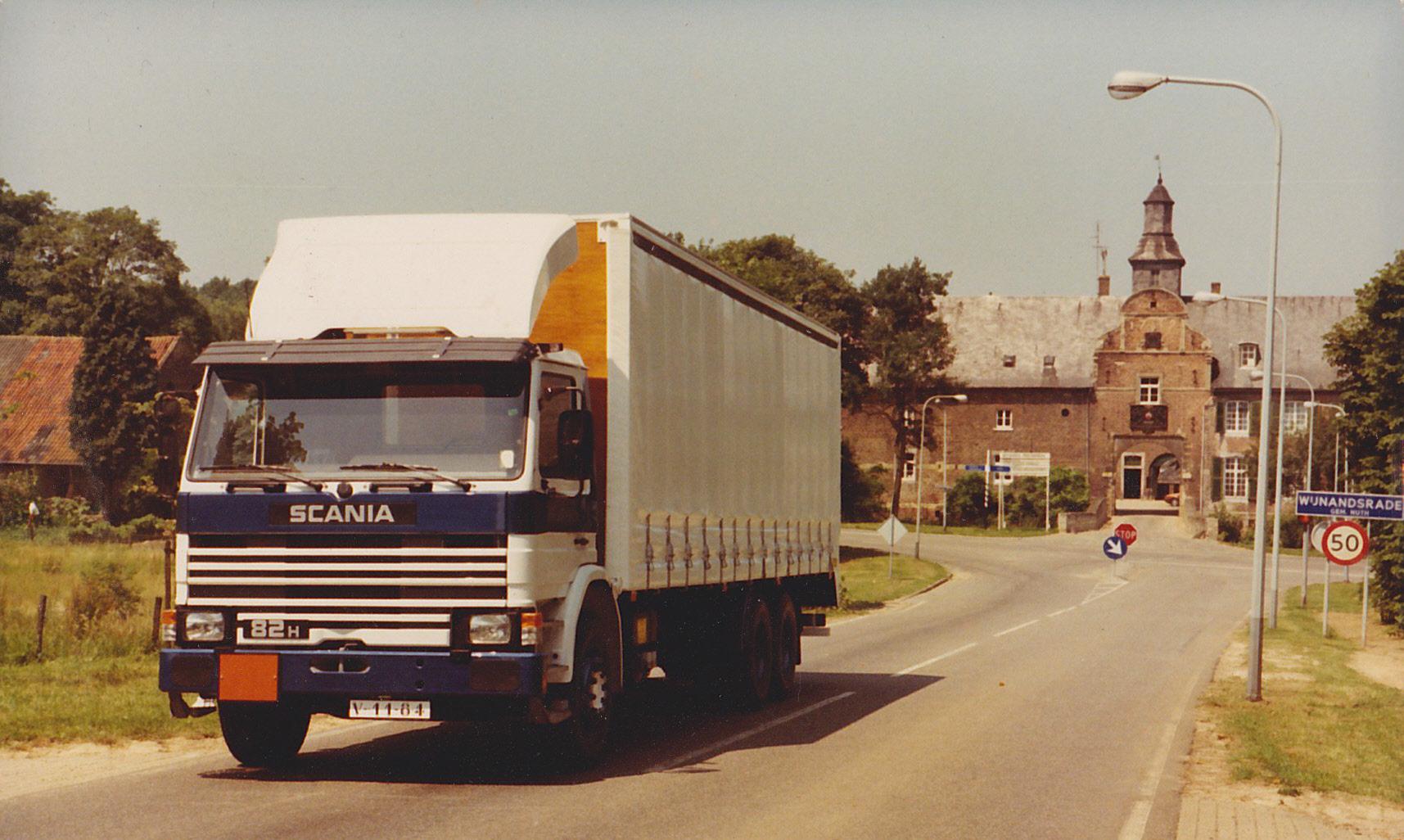Scania-P82H-6x2