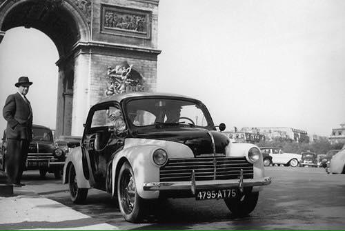 Renault-4cv-2