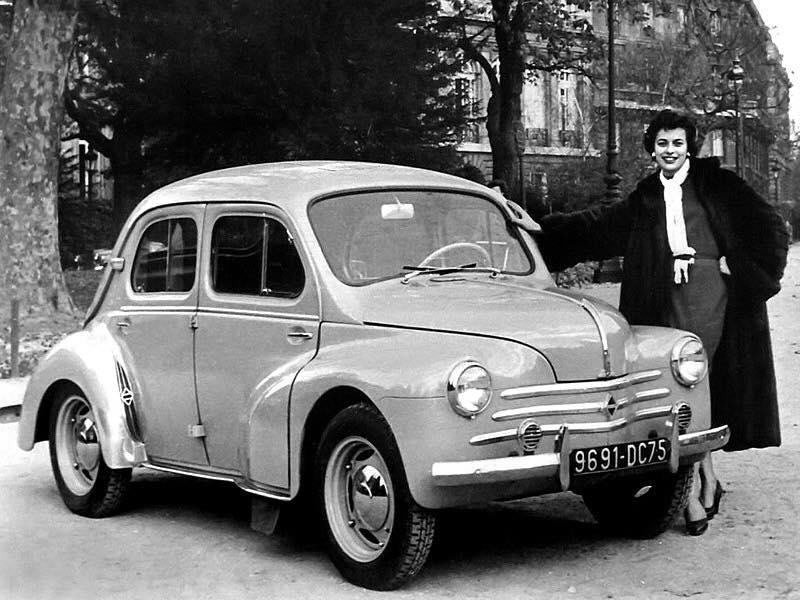 Renault-4cv-3