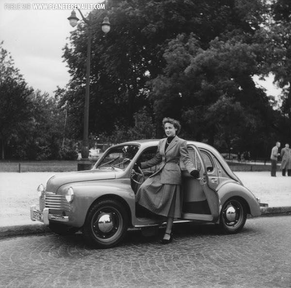Renault-4cv-4